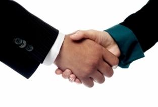 Как подарить долю в ООО другому участнику, родственнику и третьему лицу