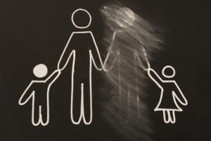 Как лишить отца родительских прав если он не платит алименты