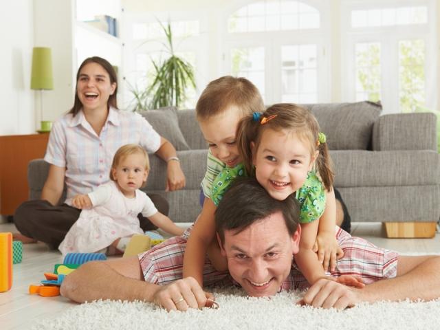 Обязанности родителей перед ребенком и права детей в Семейном праве