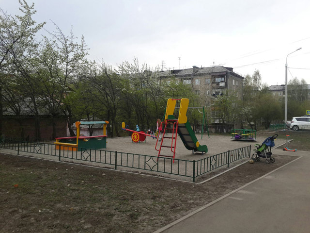 Как заказать строительство детской площадки во дворе