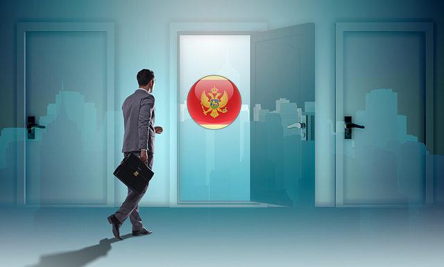 Как уехать работать в Черногорию: востребованные вакансии и оформление рабочей визы
