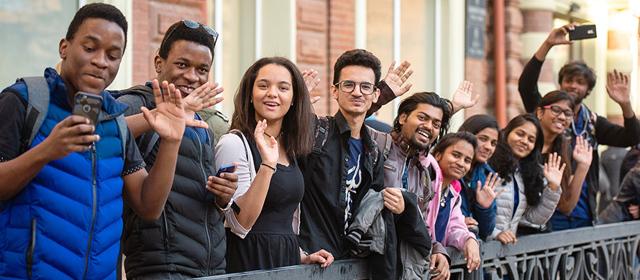 Как русским уехать учиться в Индию: оформление учебной визы