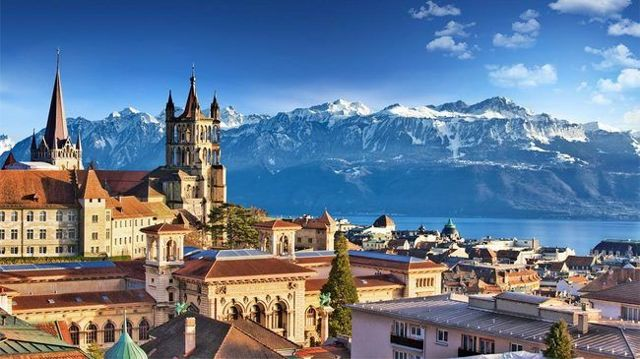 Как русским уехать работать в Швейцарию: востребованные вакансии и оформление визы