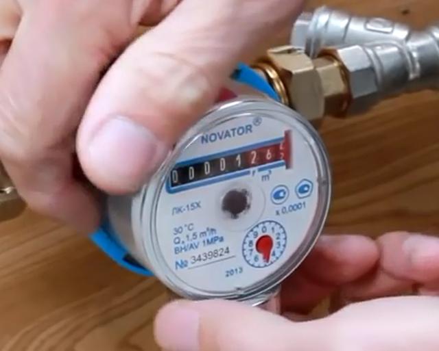 Можно ли самостоятельно заменить счетчик воды и как это сделать