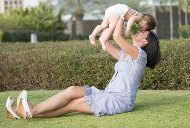 Какова сумма алиментов взыскиваемых на содержание матери ребенка до 3 лет?