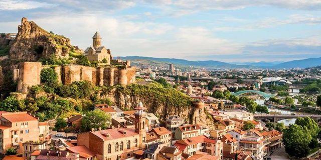 Как и кем можно устроиться работать в Грузии: вакансии и оформление документов