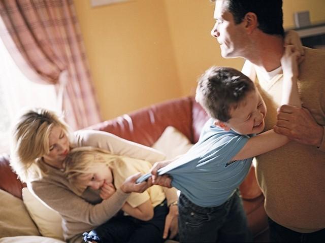 Отец хочет оставить ребенка себе при разводе: как это сделать
