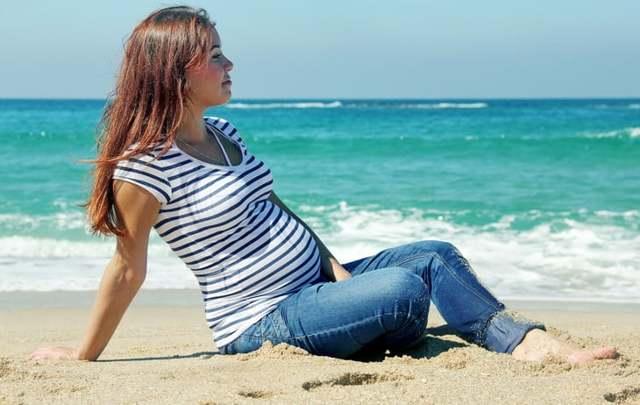 Страхование беременных при выезде за границу: плюсы и минусы, порядок оформления