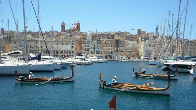 Как уехать работать на Мальту: вакансии и оформление визы