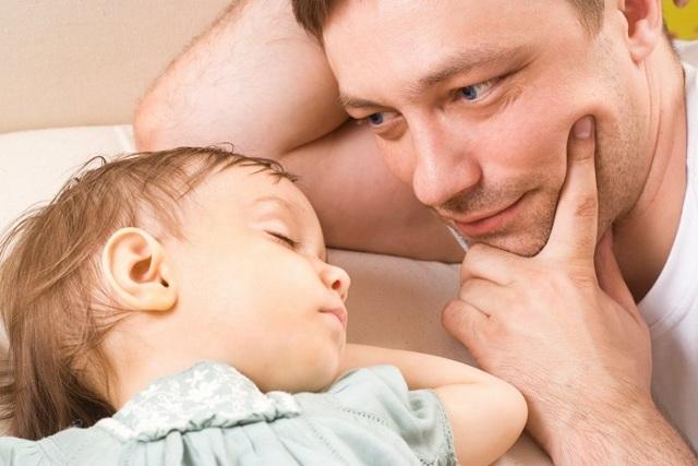 Можно ли подать на алименты, если ребенок не записан на отца