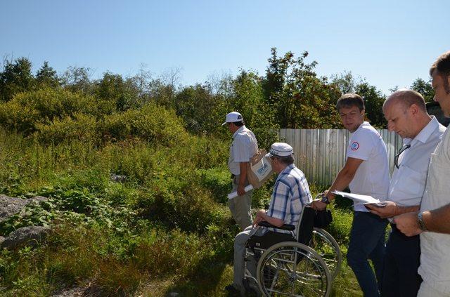 Положен ли земельный участок под ИЖС инвалидам и как им его получить